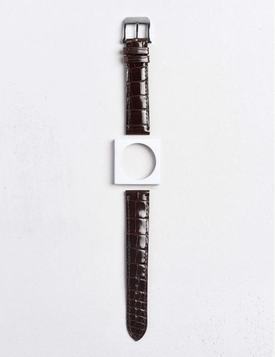 17.01 Watch strap in shiny...